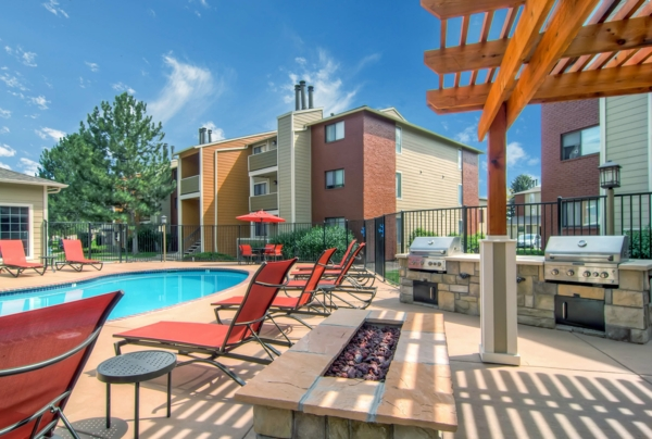 pool at Terra Vista at the Park Apartments
