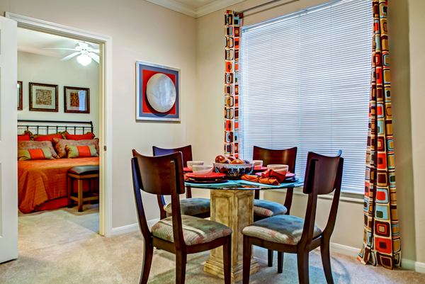 dining room at Magnolia Creek Apartments