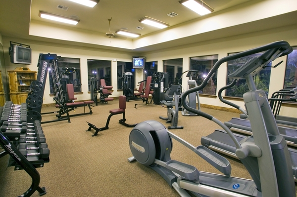 fitness center at Hilltop at Shavano Apartments