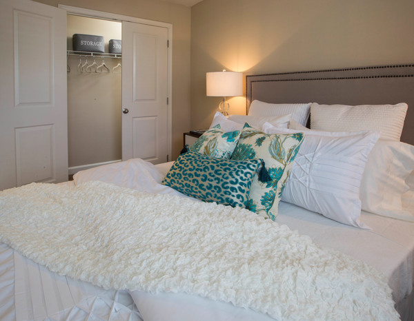 bedroom at Ellicott Grove Apartments