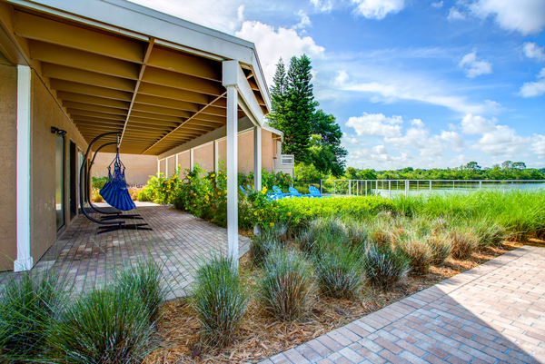 patio at Lakeshore at Altamonte Springs Apartments