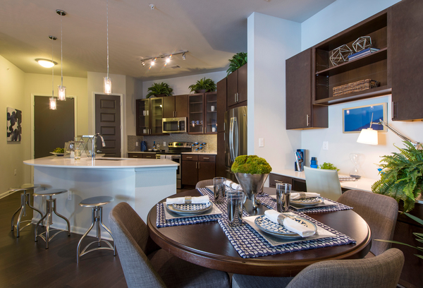 dining room at Elan Memorial Park Luxury Apartments