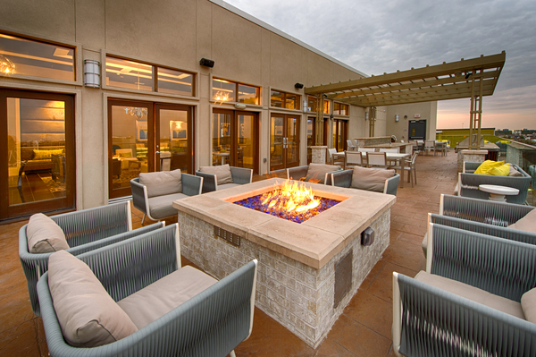 fire pit at Elan Memorial Park Luxury Apartments