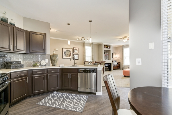 kitchen at Huntington at King Farm Apartments