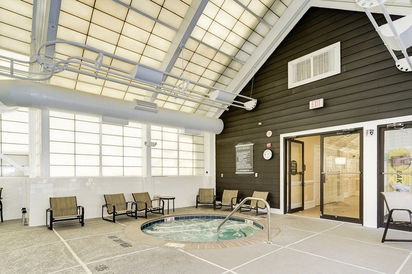 indoor pool at Huntington at King Farm Apartments