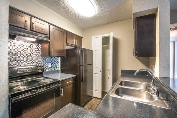 kitchen at Sedona Canyon Apartments