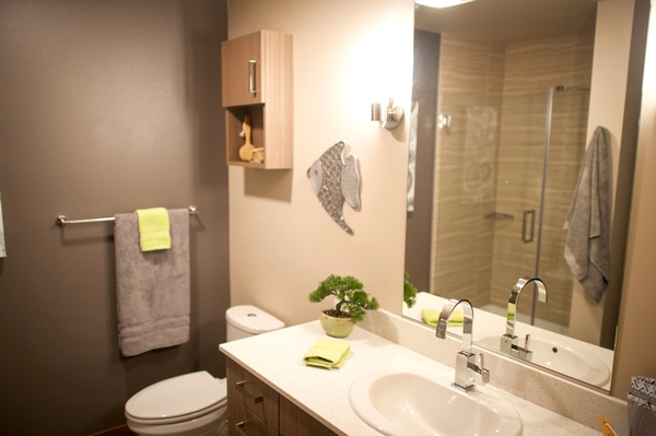 bathroom at Cue Apartment Homes