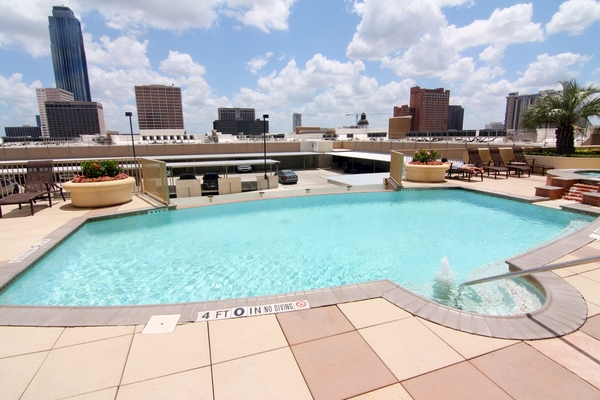 pool at Dominion Post Oak Apartments