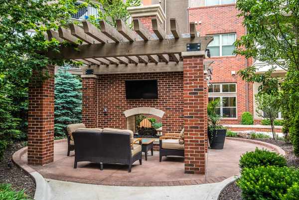 courtyard at The Village at Mission Farms Apartments