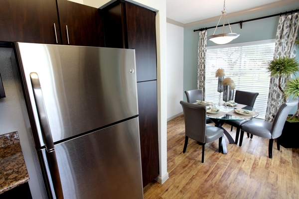 kitchen at Richmond Towne Homes Apartments