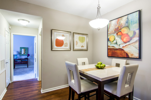 dining room at Estancia at City Center Apartments