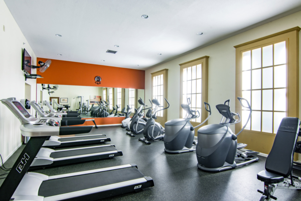 fitness center Estancia at City Center Apartments