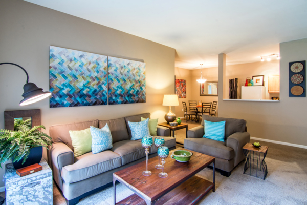 living room at Estancia at City Center Apartments