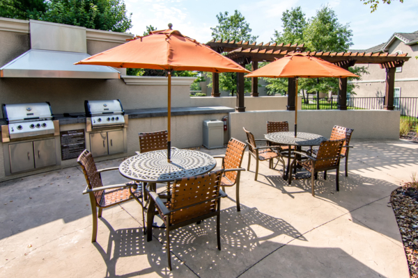 grill area Estancia at City Center Apartments