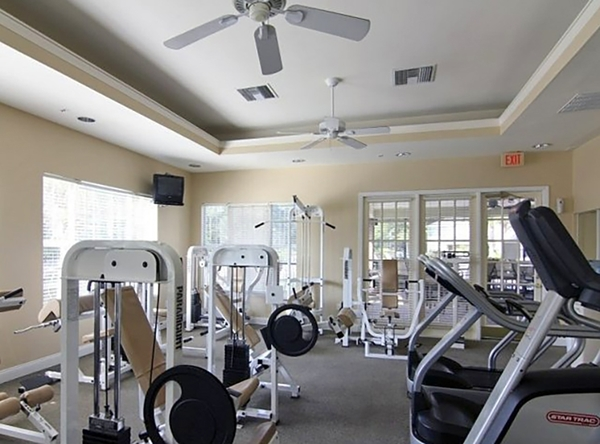 fitness center at Avenue Royale Apartments