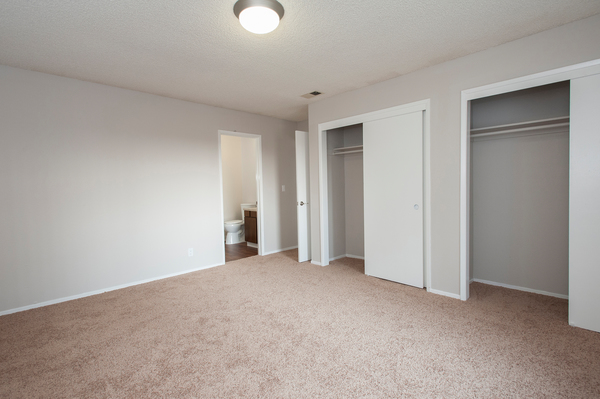 bedroom at Woodside Park Apartments