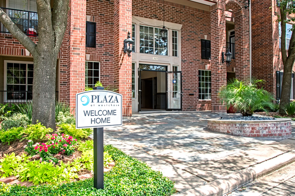 exterior at Plaza at Westchase Apartments