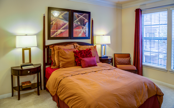 bedroom at The Circle at Hermann Park - Amalfi Apartments