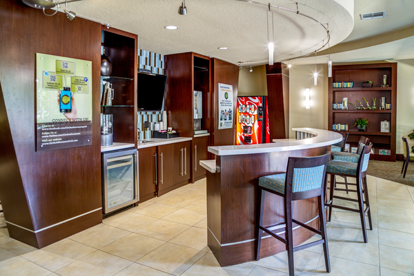 clubhouse at The Circle at Hermann Park - Amalfi Apartments