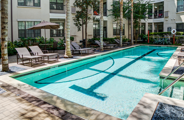 pool at The Circle at Hermann Park - Amalfi Apartments
