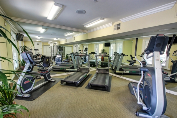 fitness center at Rolling Hills Gardens Apartments