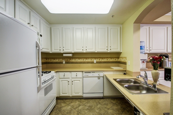 kitchen at Rolling Hills Gardens Apartments