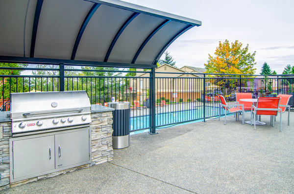 grill area at Montair at Somerset Hill Apartments