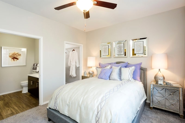 bedroom at Aspen Ridge Apartments