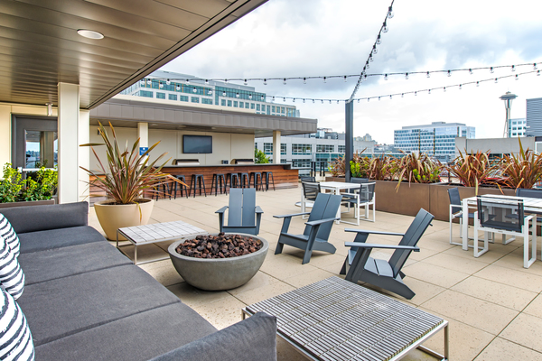 patio at Radius Apartments