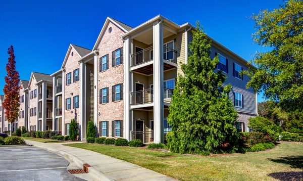 exterior at Lauren Ridge Apartments