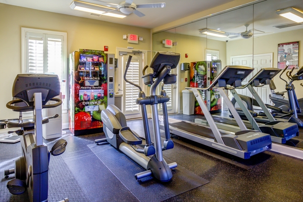 fitness center at Lauren Ridge Apartments