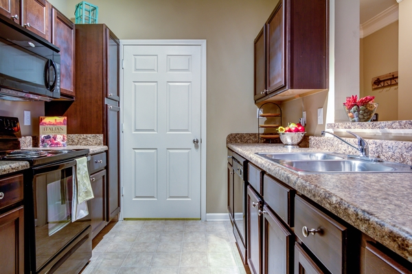 kitchen at Lauren Ridge Apartments
