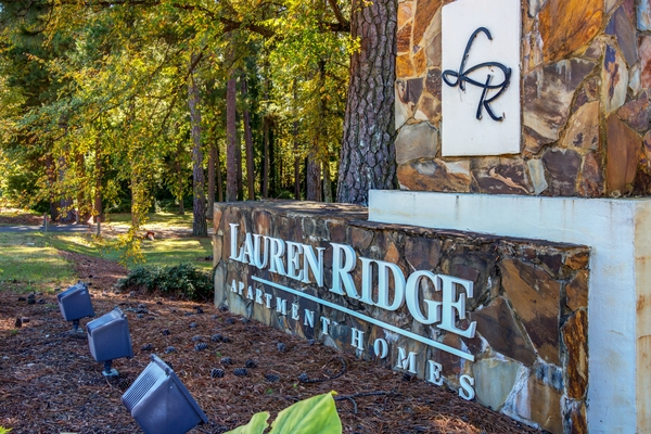 signage at Lauren Ridge Apartments