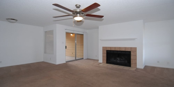 living room at Arrowhead Pointe Apartments