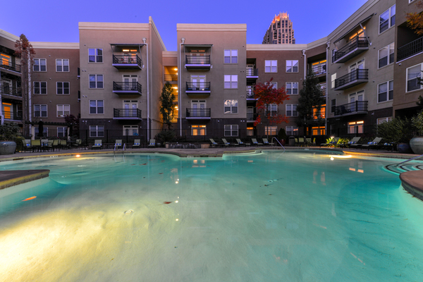 pool at Seventeen West Apartments