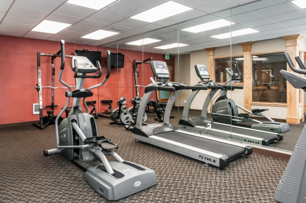 fitness center at Garden Park Apartments