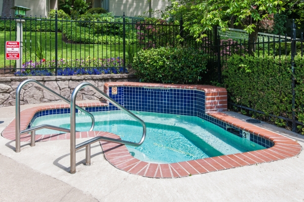 hot tub/jacuzzi at Garden Park Apartments