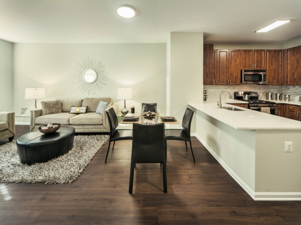 dining room at The Union at Lyndhurst Apartments