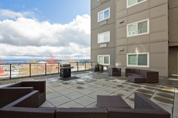 patio at VUE25 Apartments