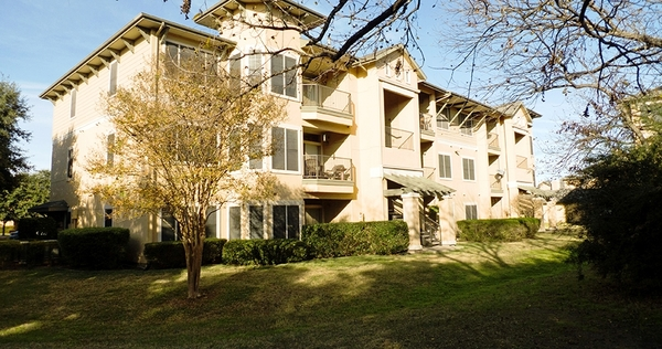 exterior at Toscana Apartments