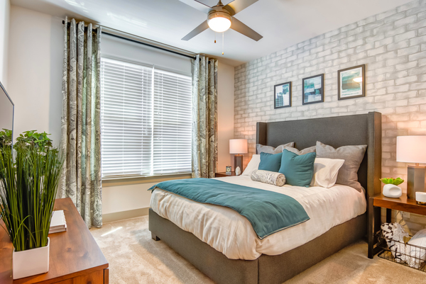 bedroom at Overlook at Huntcrest Apartments