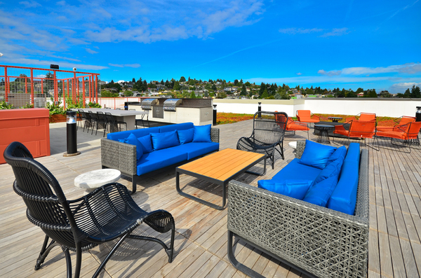 rooftop patio at Aura West Seattle Apartments