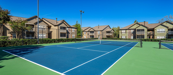 tennis court at Terraces at Fieldstone Apartments