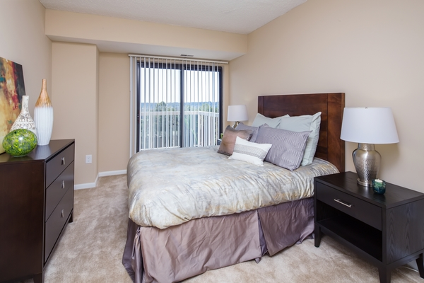 bedroom at Cascade at Landmark Apartments
