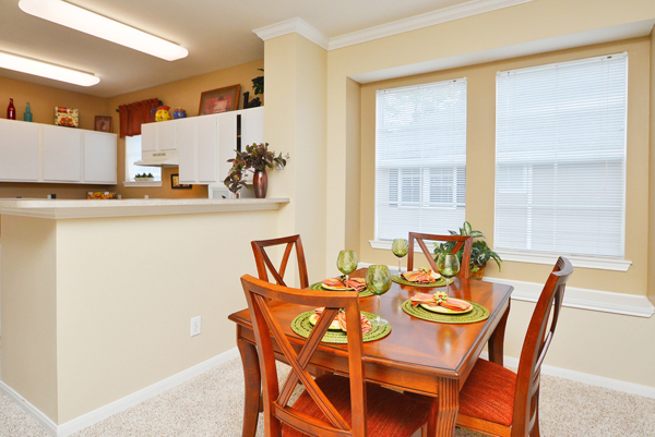 dining room at The Villages of Cypress Creek Apartments