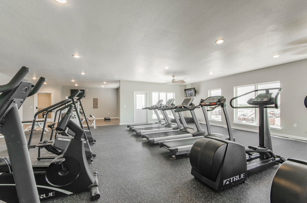 fitness center at Timberlinks at Denton Apartments