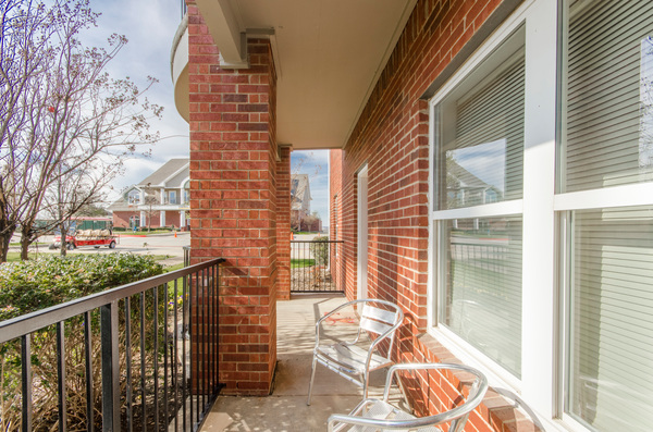 patio/balcony at Timberlinks at Denton Apartments