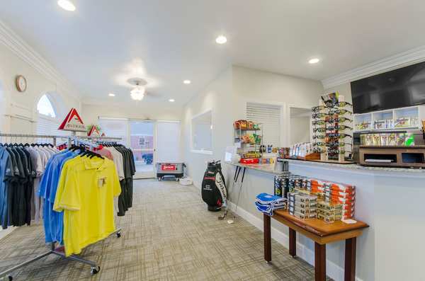 golf store at Timberlinks at Denton Apartments