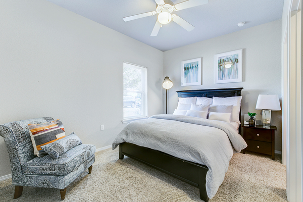 bedroom at Timberlinks at Denton Apartments