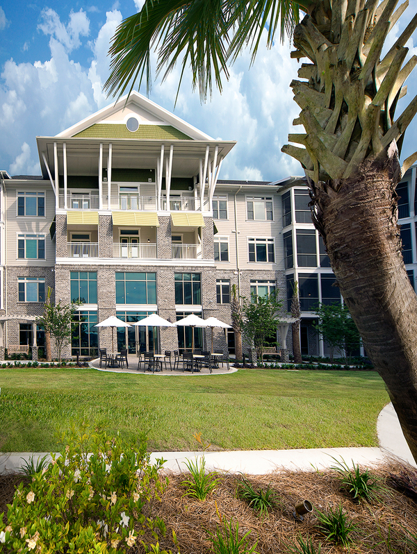 courtyard at WaterWalk at Shelter Cove Towne Centre